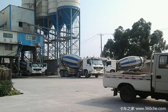 The reason of concrete segregation in mixer truck