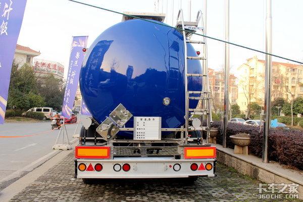 向欧洲看齐中集瑞江领航版液罐车图解