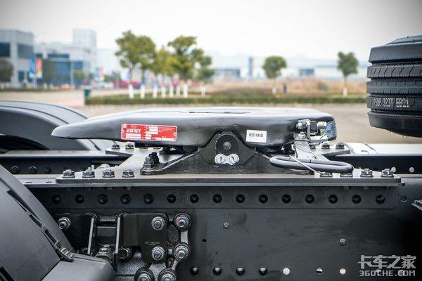 低鞍座+空气悬架这辆卡车为快递而生!