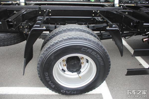 奥驰X6三轴自卸你见过吗?还是www.js77888.com排放