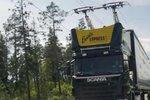 沿高速建电网 混动卡车的续航可以解决