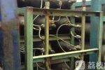 """货车偷运54瓶""""流动炸弹"""" 总重量达5吨"""