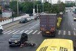 货车违停遮挡视线 引发事故也要负责任