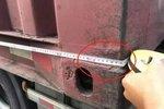 珠海惊现27米长货车 交警检查花3分钟!
