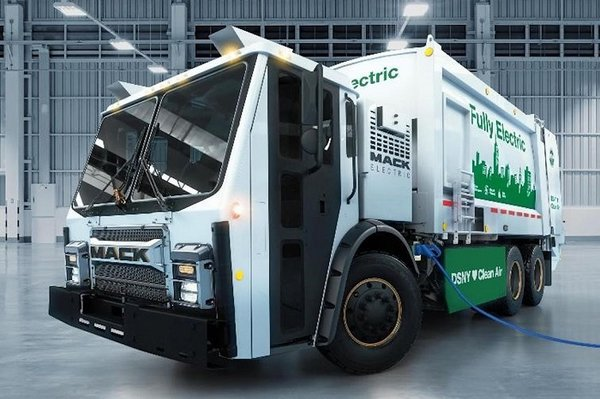 MackTrucks:展示首款电池电动垃圾车