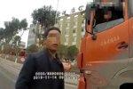 父亲让未成年儿子无证驾驶大货车练练手