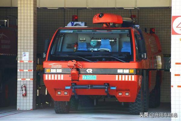 上世纪90年代第一代美洲豹机场消防车