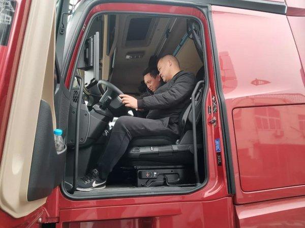 首台奔驰第五代Actros卡车交付使用