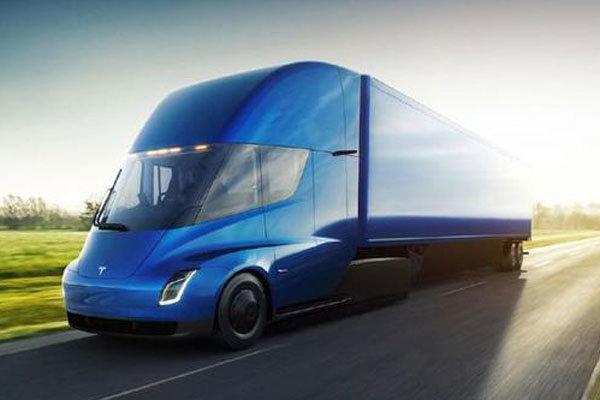 续航近1000公里 电动卡车Semi将晋级
