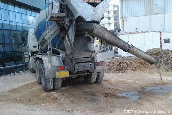 �c��P系不大��拌�混凝土�x析的原因