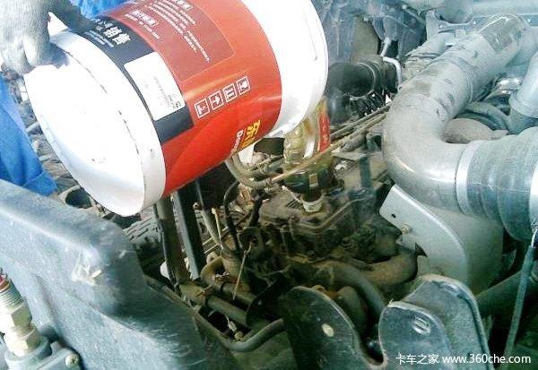 LNG重卡对机油要求高普通机油不可用