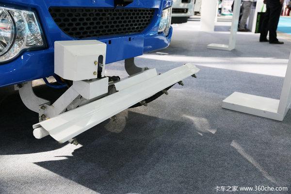 环卫车也爱装'纯' 新能源电动车受追捧