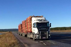 斯堪尼亚重载公路测试 整车13轴重104吨