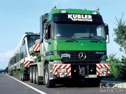来自德国的奔驰卡车