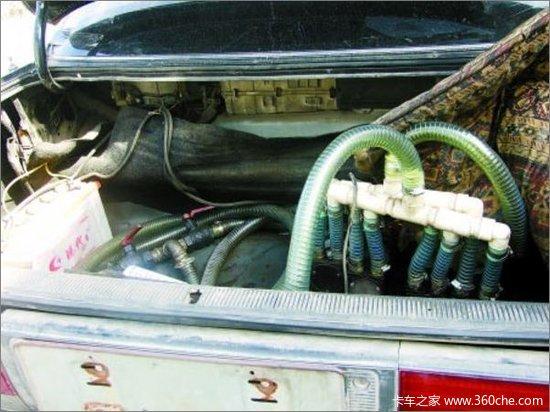货车油箱被油耗子抽干