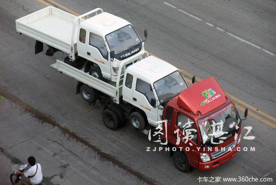 """惟利是图车载车""""叠罗汉""""高难度动作"""