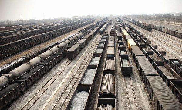 铁路总公司亏逾70亿货运收入连年恶化