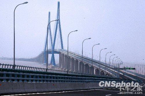 大桥禁止部分车辆通行