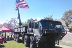 20吨私人大玩具 在美国开军车是啥感觉?