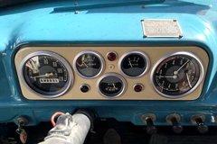 吉尔130吸粪车 V8动力驾驶室内带电暖气