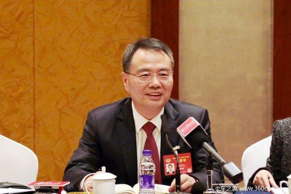 聚焦两会全国政协委员徐冠巨建言献策