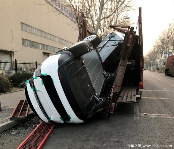 5辆特斯拉运输中受损500万损失谁来赔?