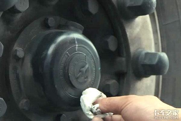 高温酷暑马上就到夏季保养从刹车开始