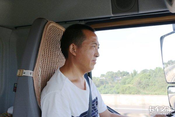 绿通专用龚师傅和他的新乘龙M3的故事