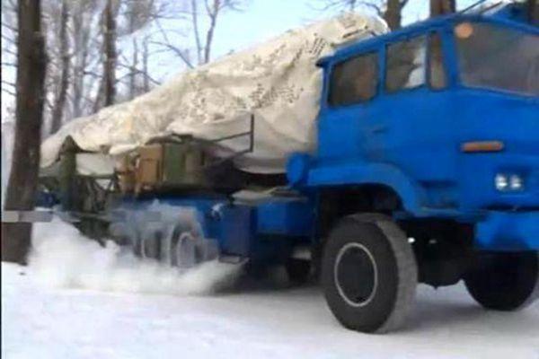 伪装过后的卡车变身中国火箭军杀手锏