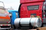 谁说带刹车淋水箱就不能上牌照?西南地区的卡车特殊情况都可以上牌