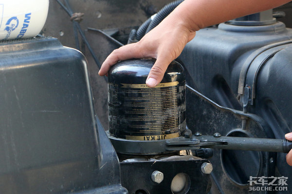 小心刹车失灵干燥罐到底多久更换一次?