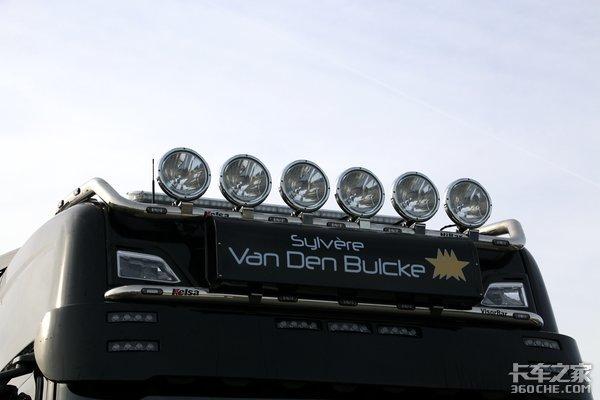 上下加装两排大灯在欧洲会被罚款吗?