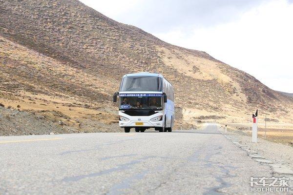 川藏线上的一股清流豪沃客车上高原