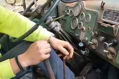 双手操控18挡 这种变速箱你驾驭得了吗?