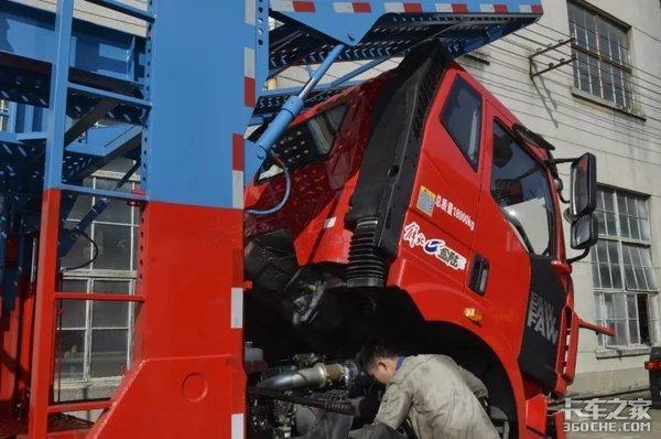 灵活运输解放金陆4x2载货式车辆运输车
