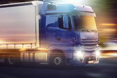 交通部:简化货车年检手续 推行异地年检