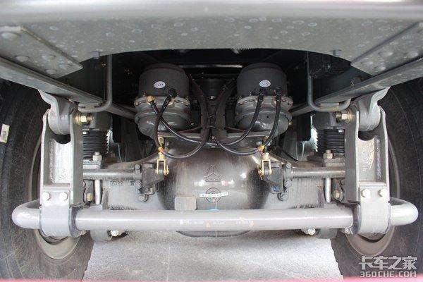 高顶驾驶室+540马力这台自卸配置真奢华