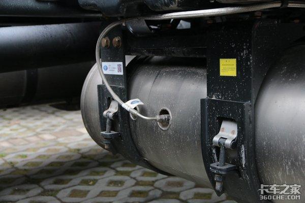 扔掉尿素箱解放固态氨版J6P上海试销!