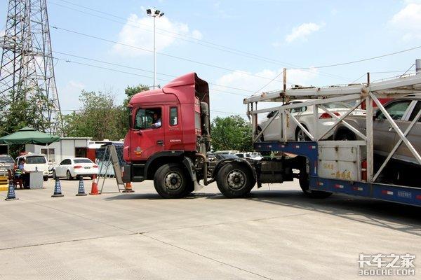 少年飙车摔死路过货车司机被判赔51万