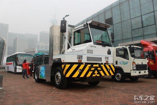 搭载氢燃料电池中国重汽HOVA港拖详解