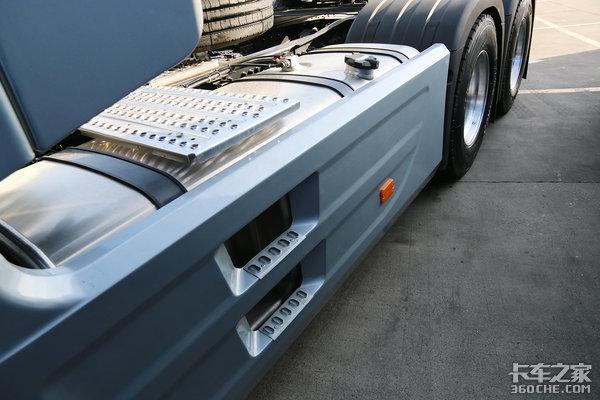 16挡AMT+8气囊减震陕汽X6000底盘图解