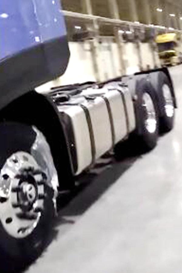 全新天龙样车曝光这样的造型你喜欢吗?