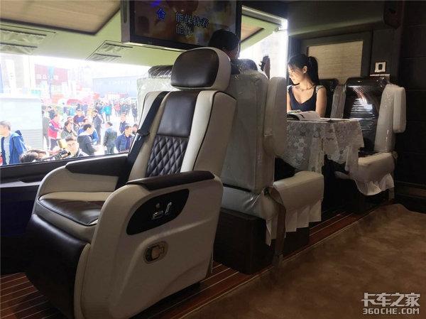 北京车展开幕在即红岩将携2款新品亮相