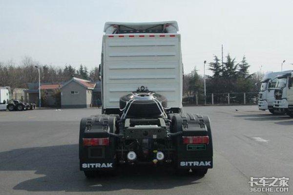 汕德卡又出新车型CNG6X4牵引车现身