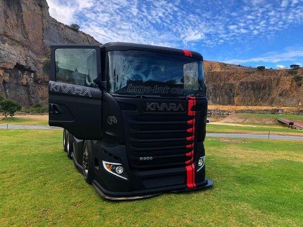 KIVARA:由斯堪尼亚卡车改装而成的赛车