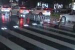 西安现炫酷斑马线:可感应50米外车辆
