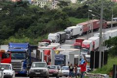柴油价格过高 巴西卡车司机举行大罢工