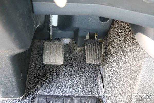 坡道起步溜车?不存在的我的T7H智能卡车有坡道辅助系统