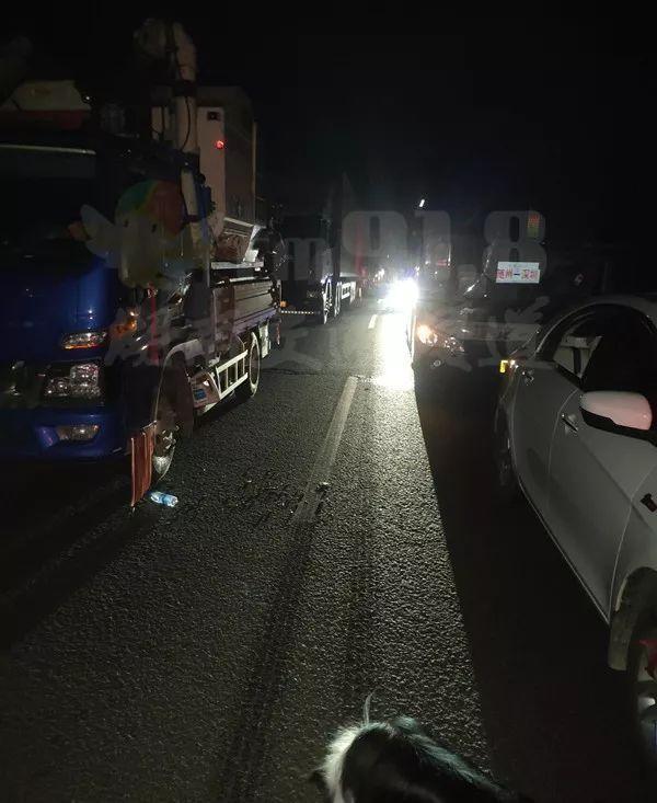 京港澳高速衡阳段发生客车与运输车相撞事故已致10人遇难