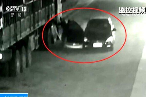广州:戴口罩开宝马盗货车柴油嫌犯落网